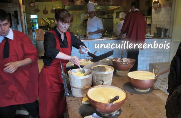L 39 auberge de la m re poulard le mont saint michel - Recette omelette mere poulard ...