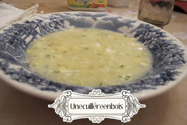 soupe de riz sauce aux oeufs et au citron
