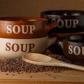 bols de soupe et lentilles