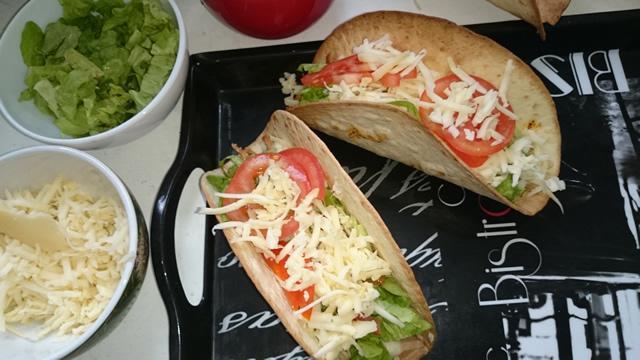 tacos-porc-fromage-crudite