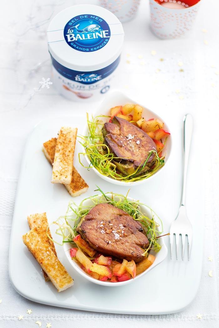foie gras et pommes au roquefort soci t une cuill re. Black Bedroom Furniture Sets. Home Design Ideas
