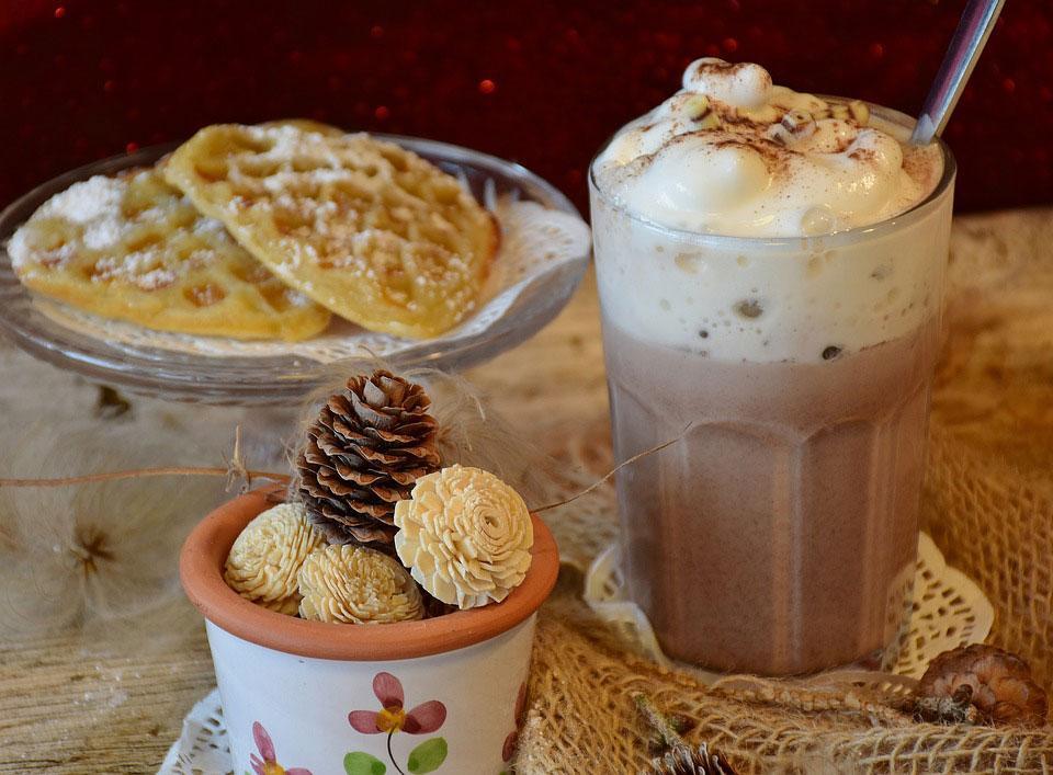 Chocolat chaud à la chantilly dit viennois